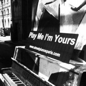 pianina naulicach Paryża