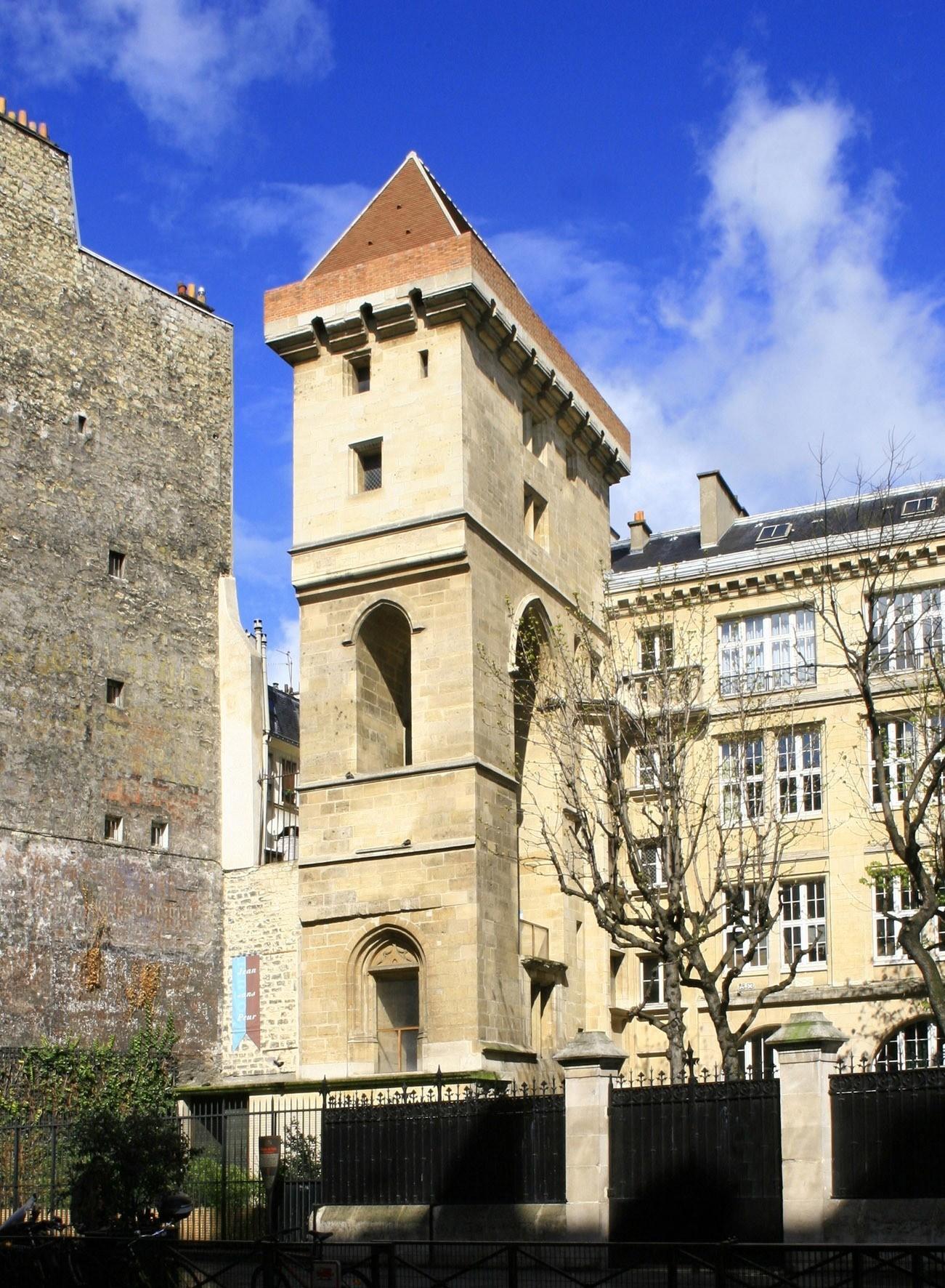 wieża obronna wParyżu