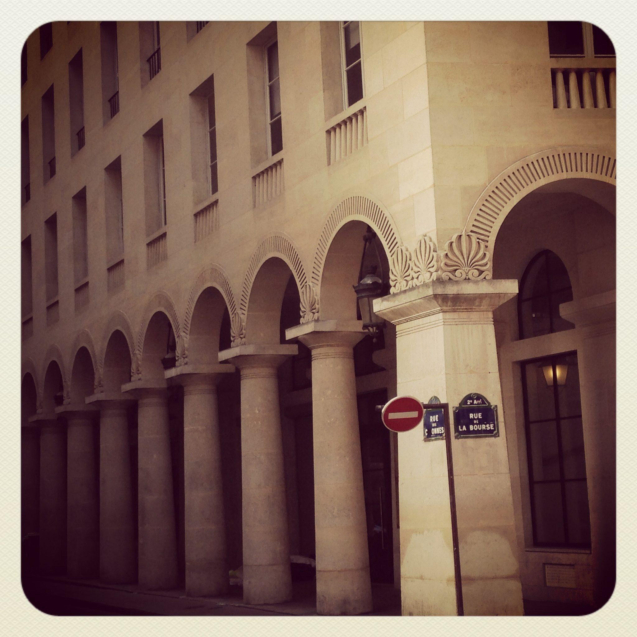 paryskie uliczki – Rue des Colonnes