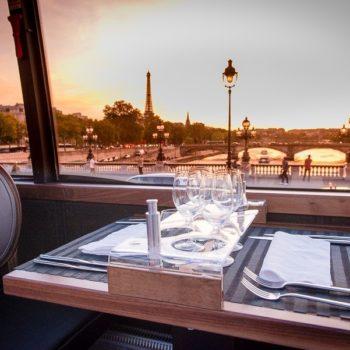 Bustronome czyli paryski sposób na zwiedzanie