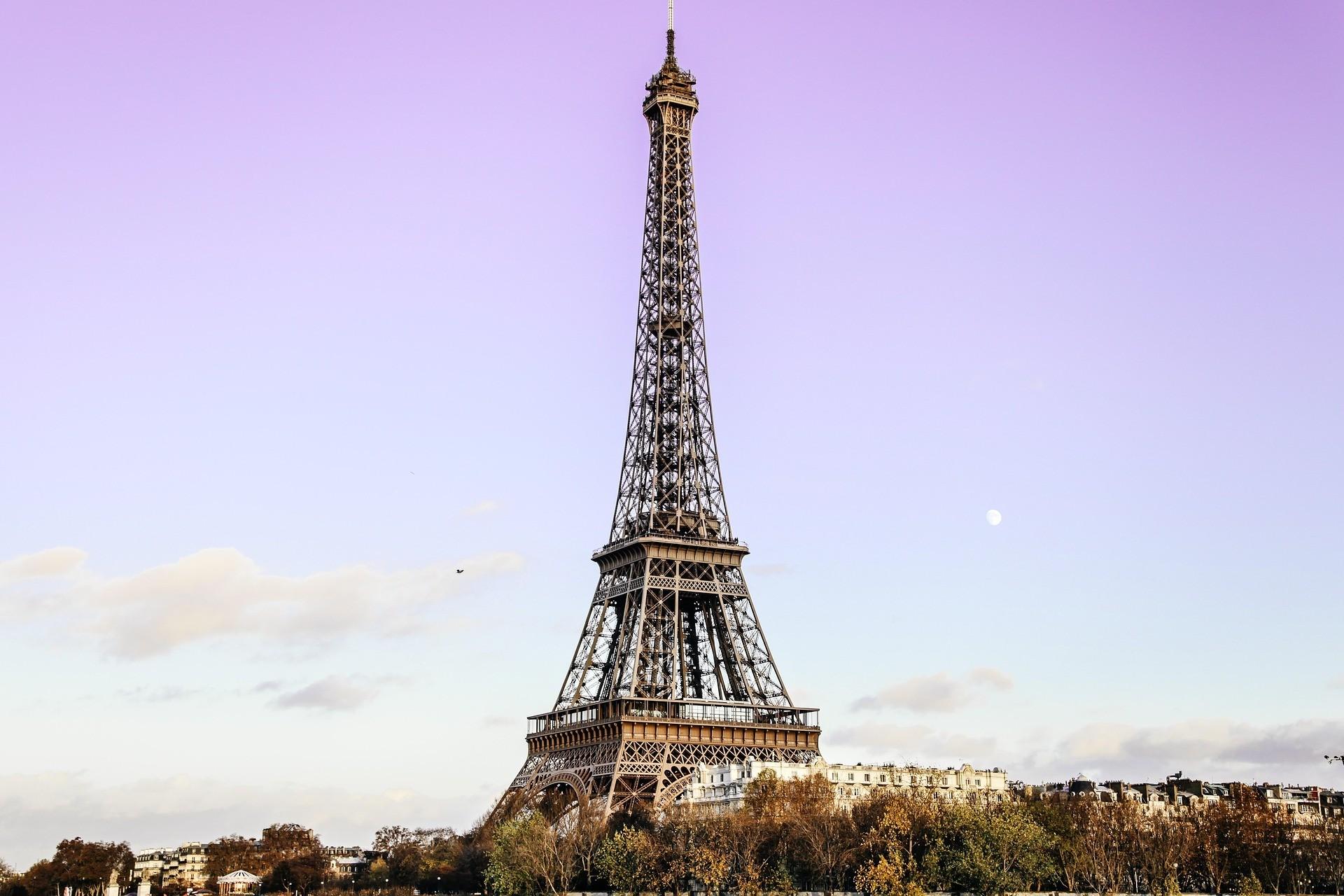 Wieża Eiffla – kilka ciekawych informacji najej temat